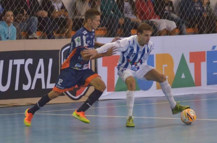 LEGENDA DA FOTO Dieguinho é um dos atletas que entram em quadra contra Dracena (foto Jonas Barbetta Top10 Comunicação) (1)