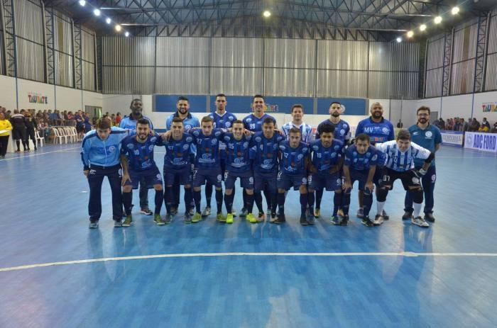 LEGENDA DA FOTO Formação da ADC Ford Taubaté na Liga Paulista (foto Jonas Barbetta Top 10 Comunicação)