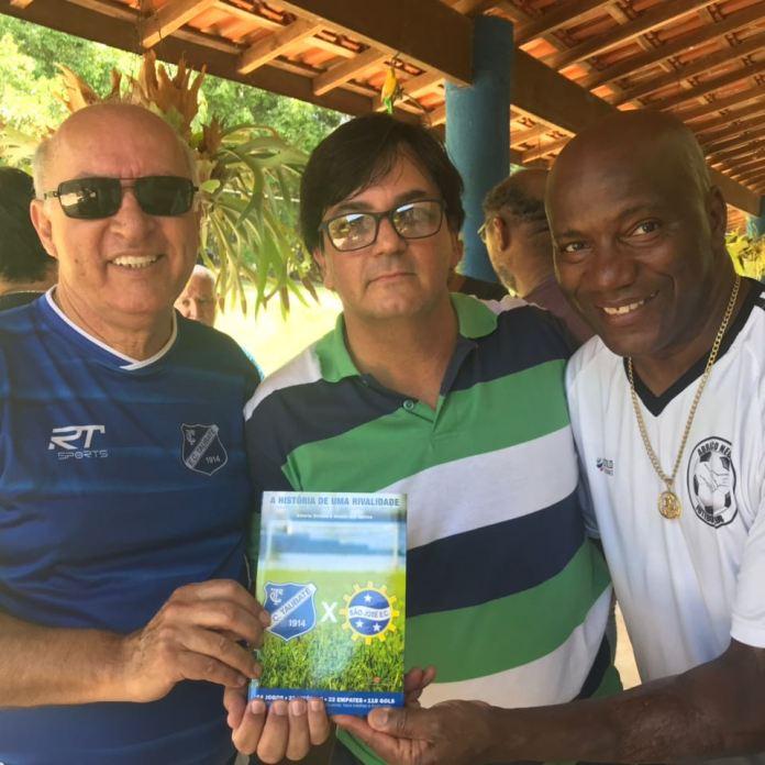 Eu, Sidney e Jorge Café