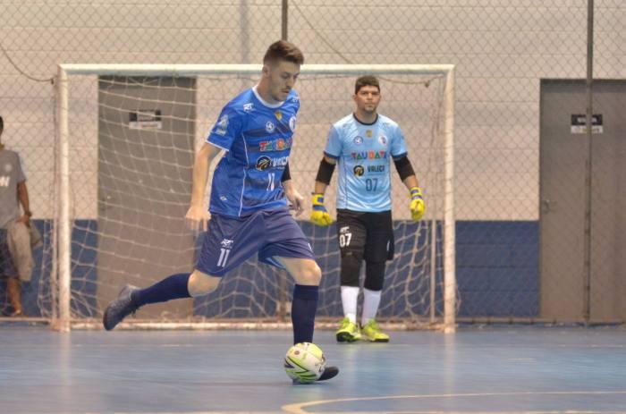 Rezala e Pezão durante partida contra Yoka Guará na estreia da Copa Paulista de Futsal (1)