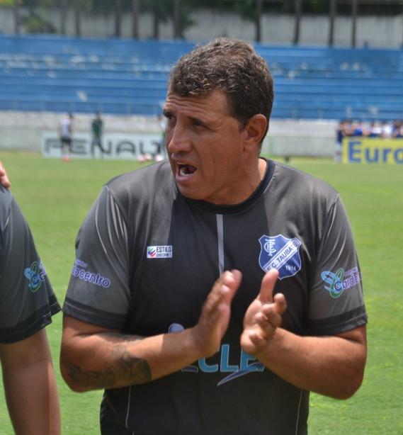 treinador de goleiro