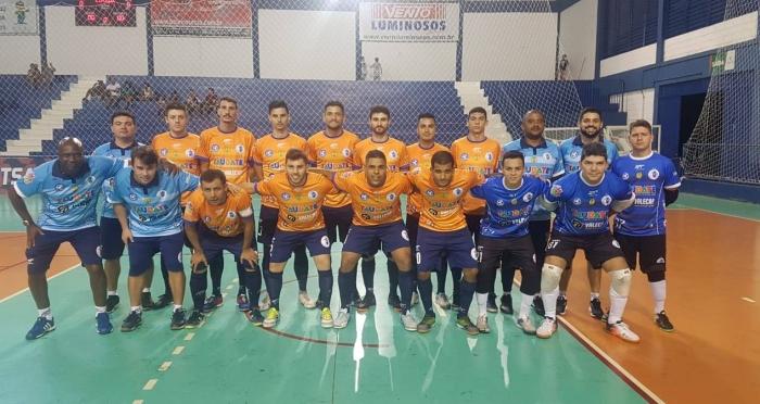 O elenco do Taubaté Futsal que venceu o Hortolândia por 5 a 2 na Copa Paulista (foto Divulgação)