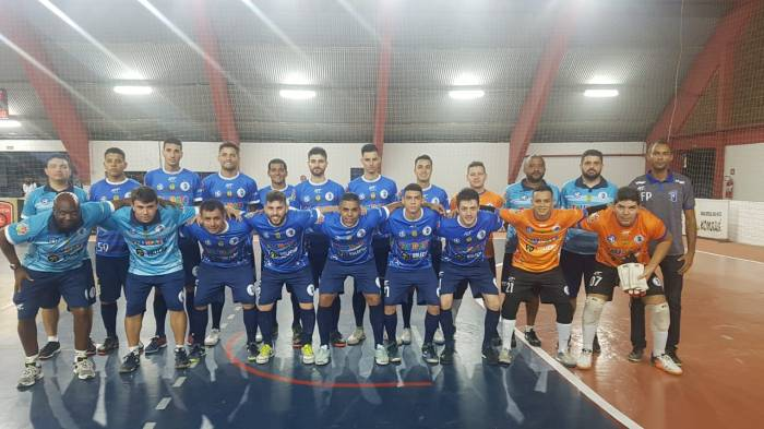 Elenco do Taubaté Futsal que venceu o Yoka Guaratinguetá na Copa Paulista (1)