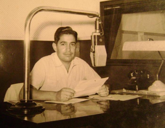 Fausto na Rádio Difusora de Taubaté.